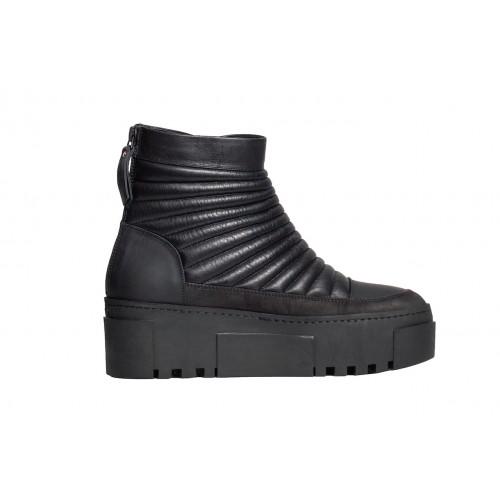 Кожаные стеганные ботинки Vic Matie 5030